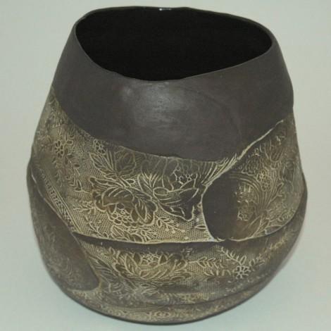 tall lacy pot