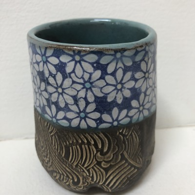 Clay daisies stoneware blue white